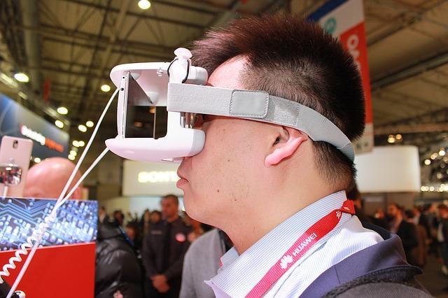 muž ve virtuální realitě