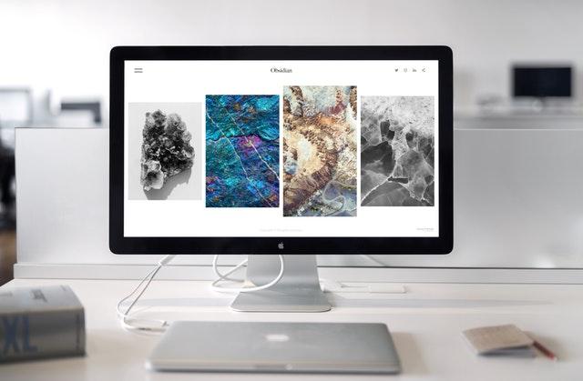 Obrazovka počítača so štyroma rôznymi obrázkami.jpg