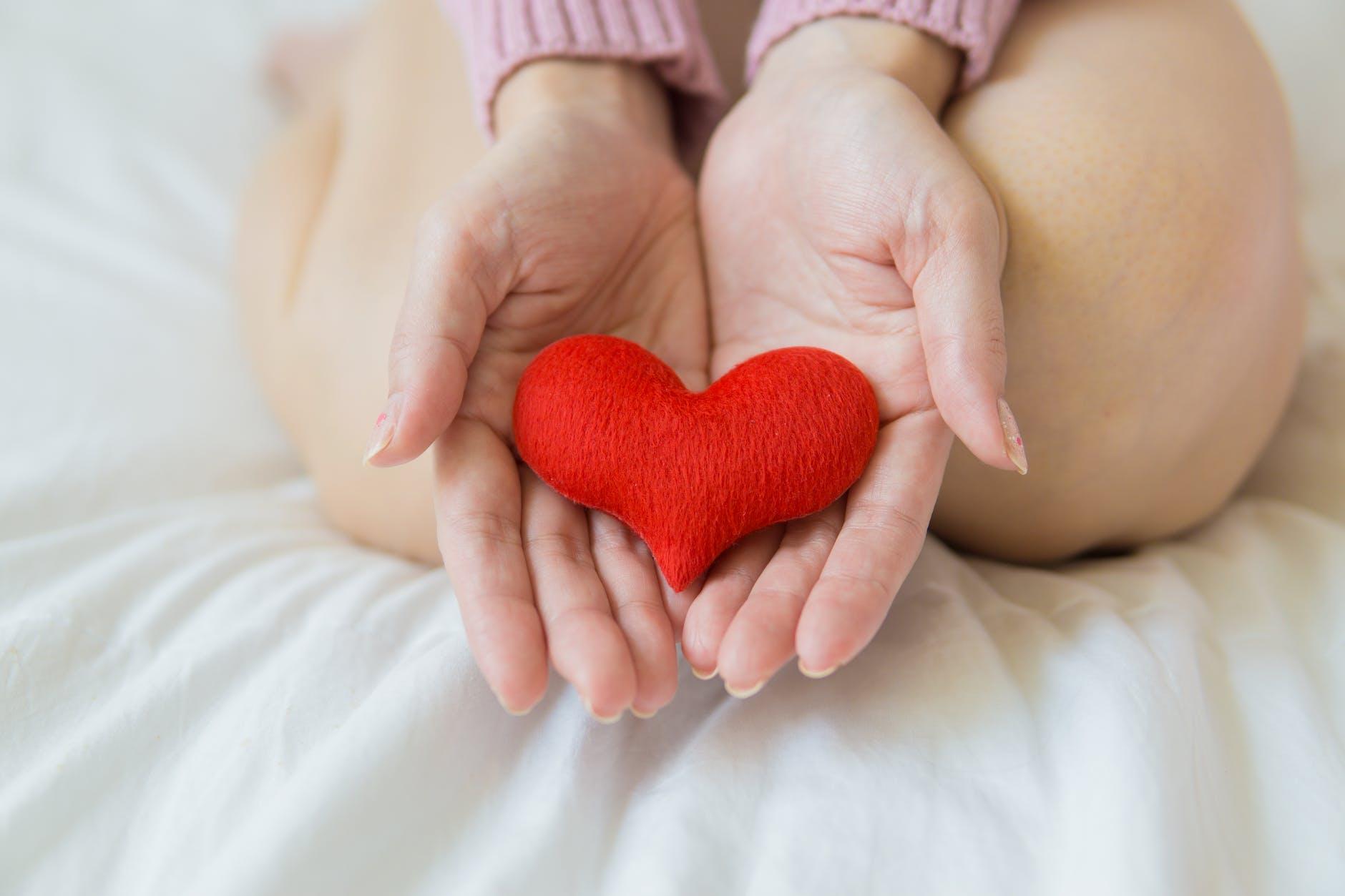 ruky, srdc